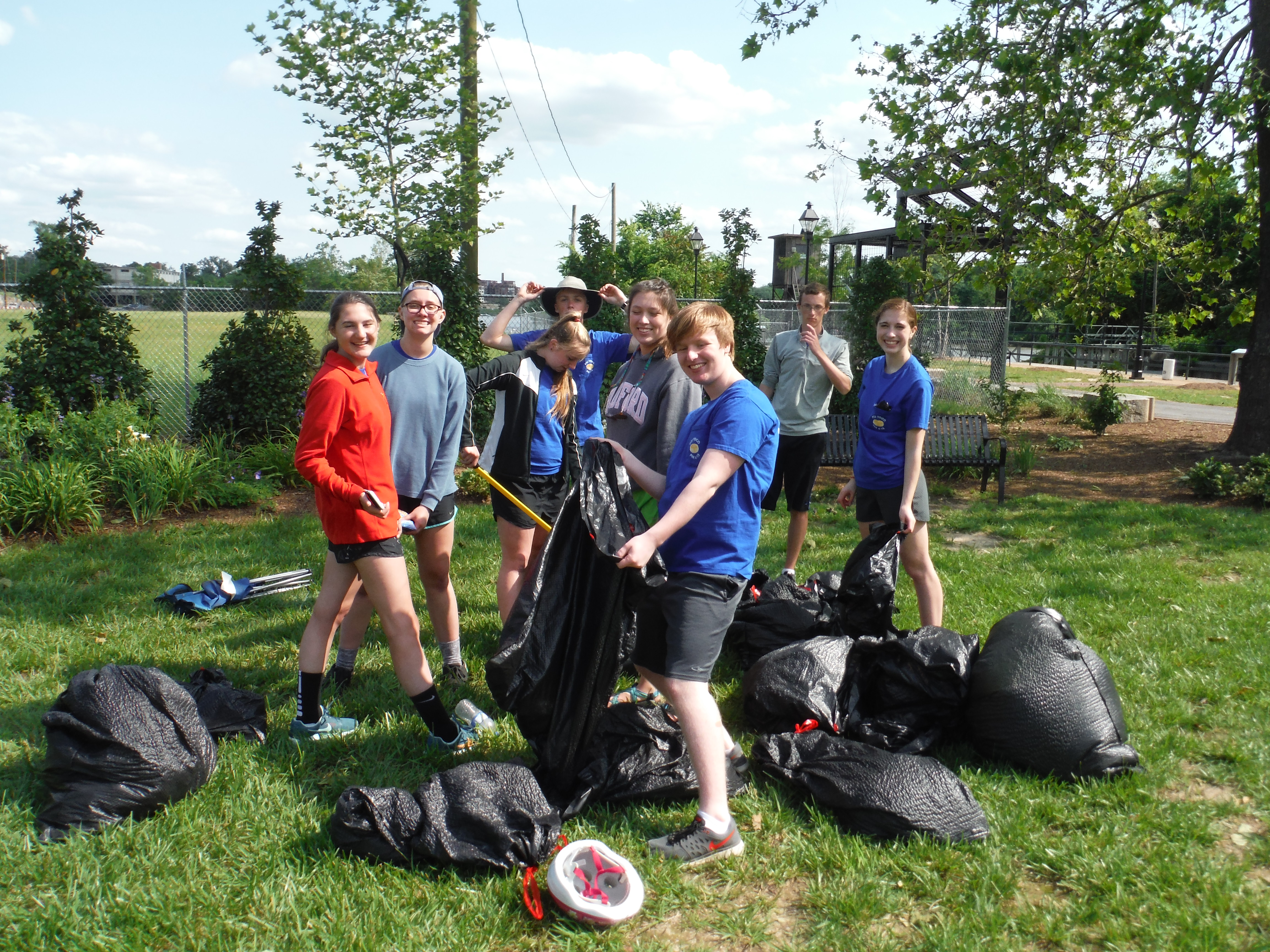 Youth Coucil Cleans Up